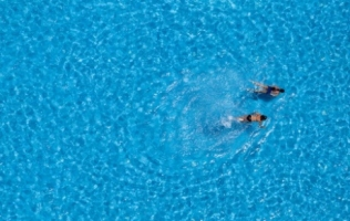5 Tips To Save Your Skin When Going Swimming